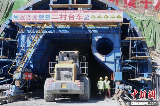 久马高速全面开工_建成后成都至青海仅需5.5小时