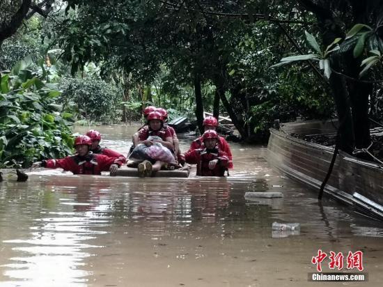 中国应急管理部:南方8省份持续强降雨已致88人死亡
