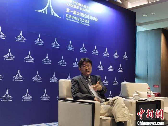 """高福:应对新冠疫情中国从""""闭卷考试""""变""""开卷考试"""""""